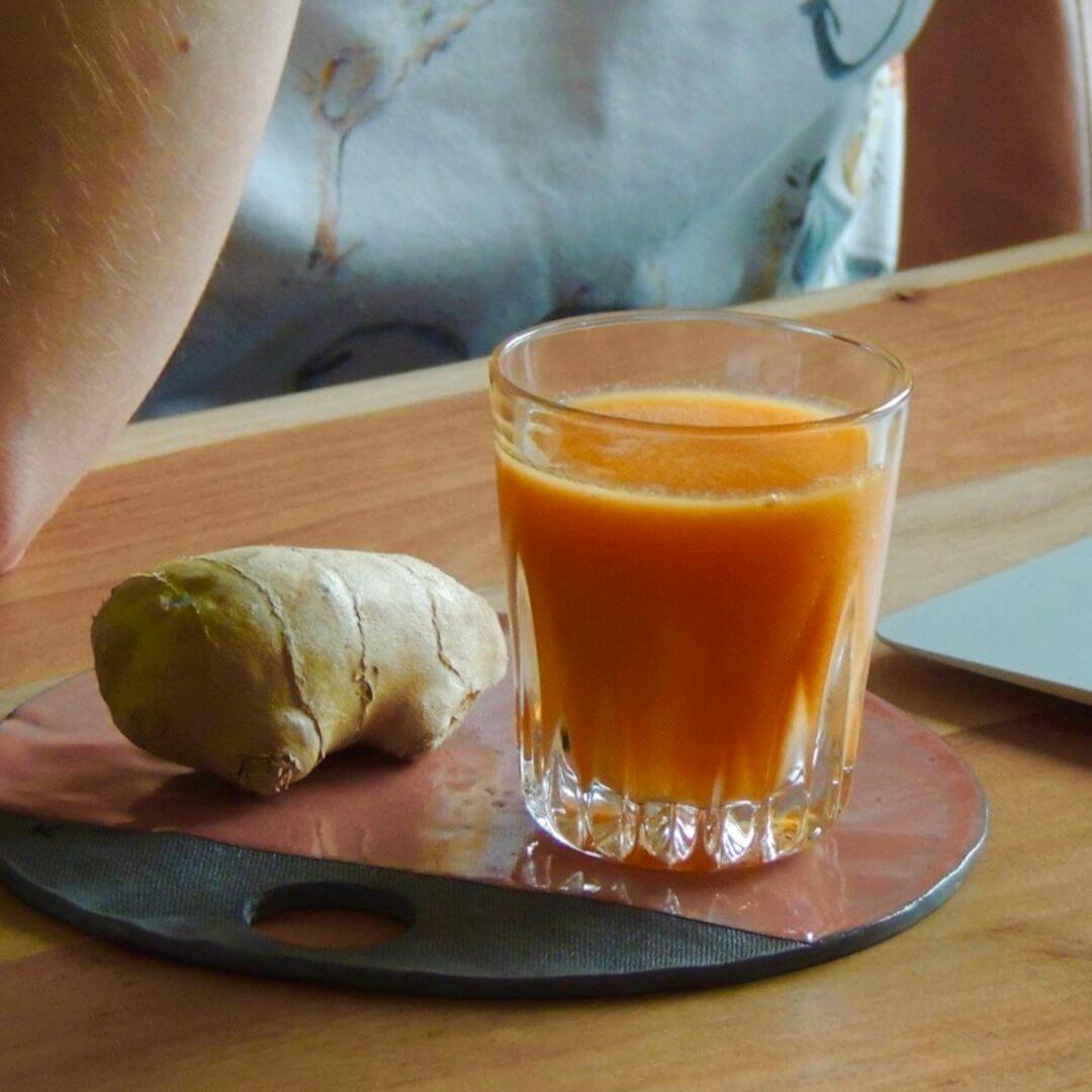 Crazy Ginger: gember - appel - wortel - mango - papaya - citroen zeste